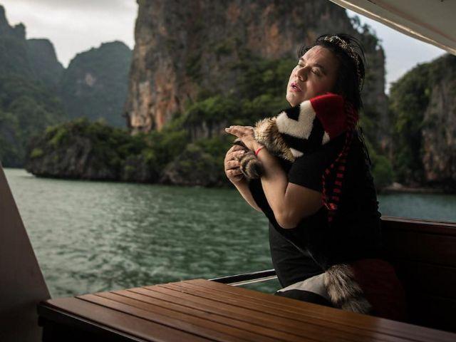 พี่เอ ศุภชัย โพสต์ท่าถ่ายรูปบนเรือยอร์ชกลางทะเล