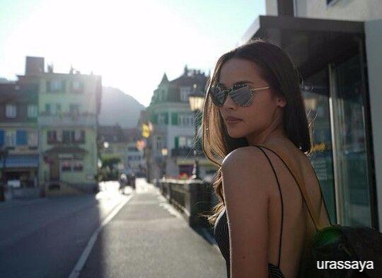 ญาญ่า อุรัสยา เสปอร์บันด์ กับแว่นกันแดด Louis Vuitton