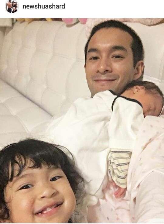 คุณนิว สามี เปิ้ล ภารดี กับลูกสาวทั้งสองคน
