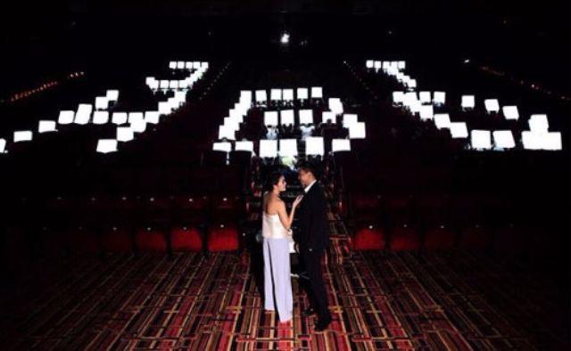 กึ้ง เซอร์ไพรส์วันเกิดเจนี่ ด้วยการปิดโรงหนังพร้อมป้ายไฟ JT HBD ปี 2558