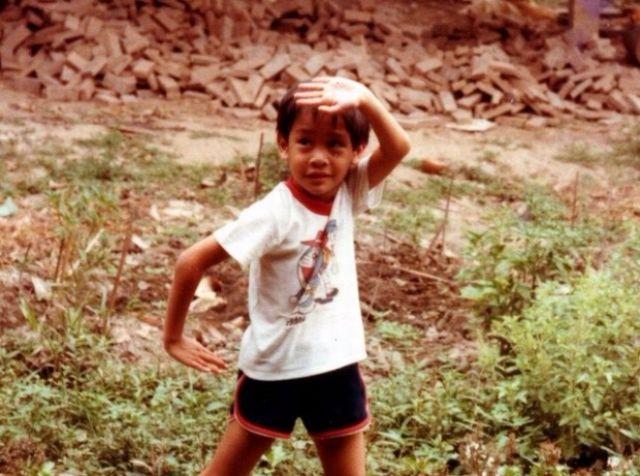ภาพ ป้อง ณวัฒน์ ในวัยเด็ก-002
