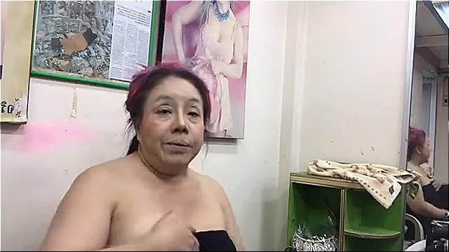 ลีน่าจัง แต่งหน้าเป็น ญาญ่า อุรัสยา-001