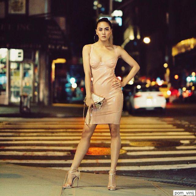 เจนี่ เทียนโพธิ์สุวรรณ์ ในชุดหนังสีเนื้อสุดเซ็กซี่ at madison square garden