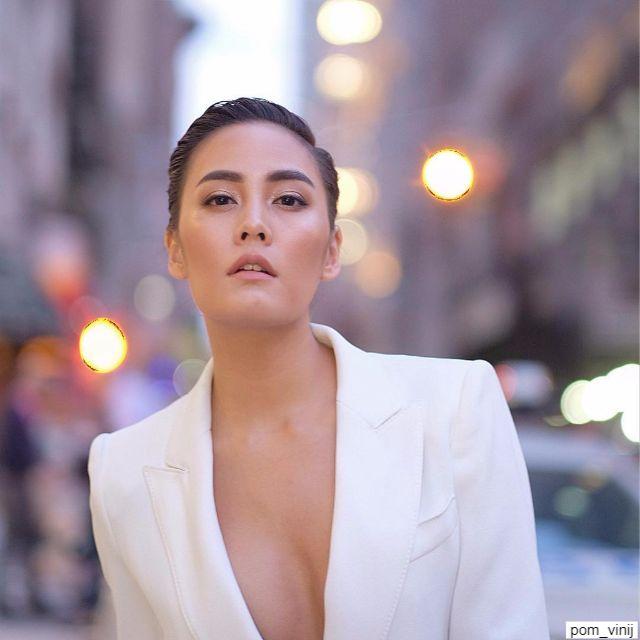 เจนี่ เทียนโพธิ์สุวรรณ์ ในลุ๊คแมนๆ ที่ new york fashion week 2017
