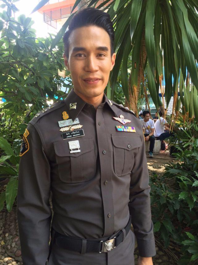 ร้อยตำรวจเอก จักรี ในละคร ทิวลิปทอง ออกอากาศทางช่อง 7