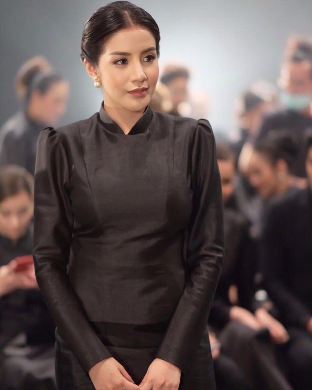 ใบเตย อาร์สยาม ในชุดไทยจิตรลดา