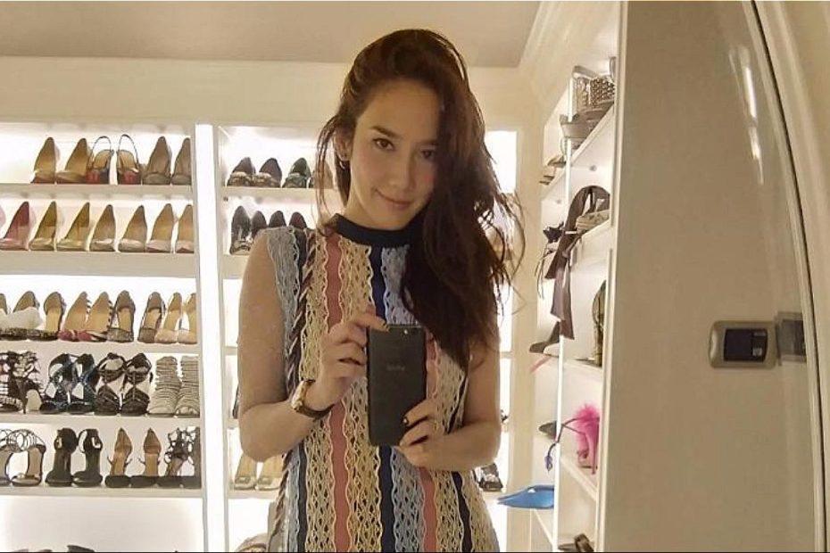 ห้องเก็บรองเท้าของ อั้ม พัชราภา ไชยเชื้อ เริ่ดหรูอลังการ ยิ่งกว่าร้านขายรองเท้า