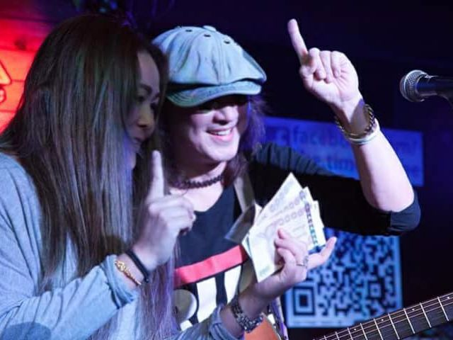 ศักดา อินคา เล่นคอนเสิร์ตเปิดรับเงินบริจาค ช่วย ตูน บอดี้สแลม รูปที่ 001