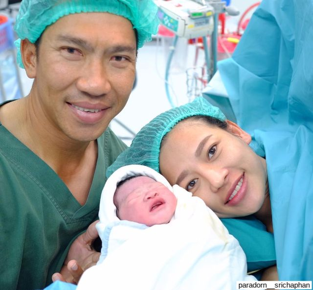 ภารดร ศรีชาพันธุ์ กับภรรยา และลูกสาว