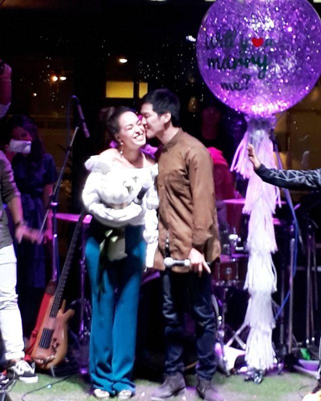 เต้ย ธโนทัย เซอร์ไพรส์ขอ ซาร่า AF3 แต่งงานกลางคอนเสิร์ต