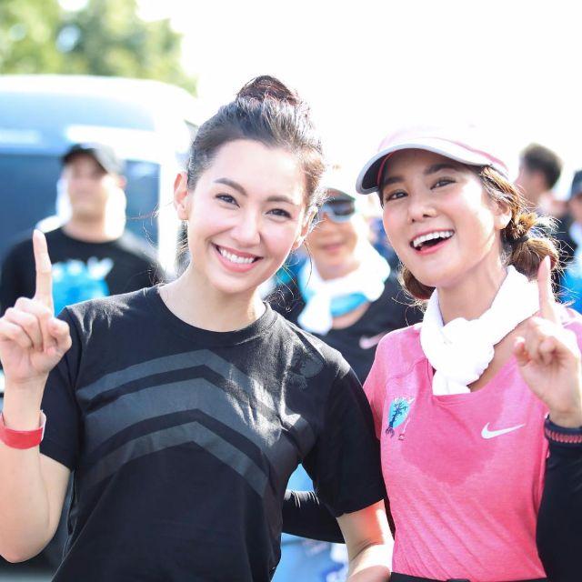 เบลล่า ราณี กับ ก้อย รัชวิน ร่วมวิ่งในโครงการ ก้าวคนละก้าว