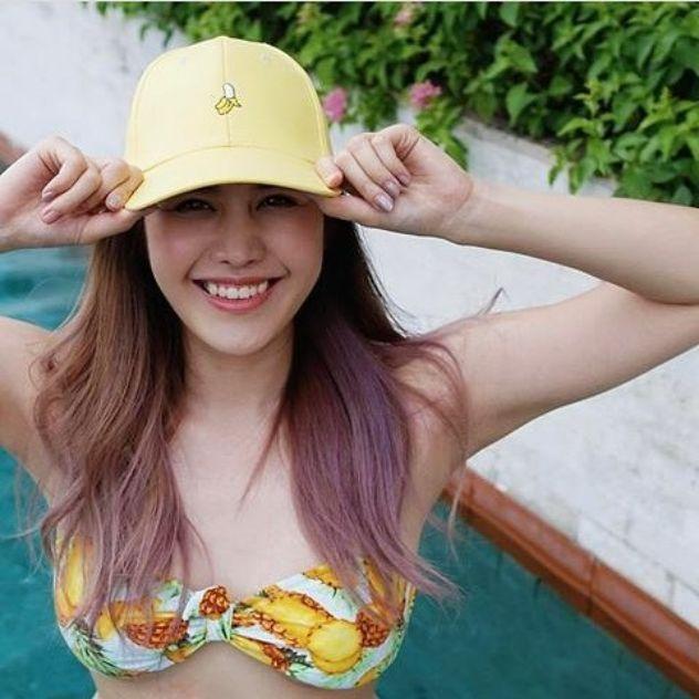 ส่องแซ่บ หญิง พลอยชมพู ในชุดว่ายน้ำ ที่เกาะเฮ ภูเก็ต