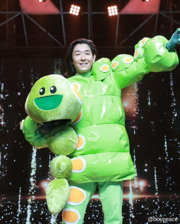 หน้ากากหนอนชาเขียว คือใคร แชมป์ The mask singer หน้ากากนักร้อง ซีซัน 3