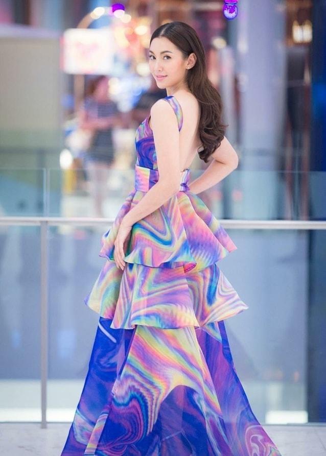 เบลล่า colorful dress