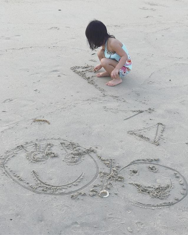 น้องปีใหม่ ชายหาด