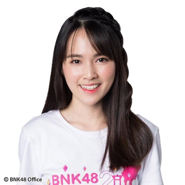 ออม bnk48