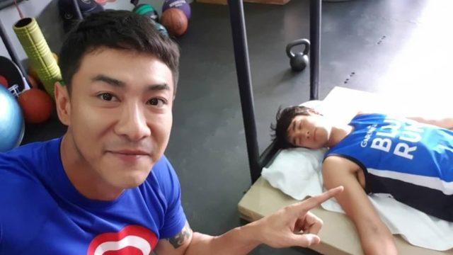 ไม่น่าเชื่อ ! ณเดชน์ คูกิมิยะ โดนแอบถ่ายตอนนอนแอ้งแม้ง แต่ก็ยังหล่อ