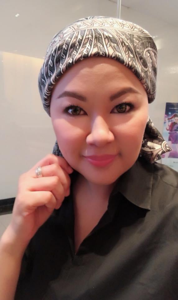 แอ้ม สโรชา ไลฟ์สดโกนหัว เตรียมเข้ารับคีโม รักษามะเร็งเต้านม