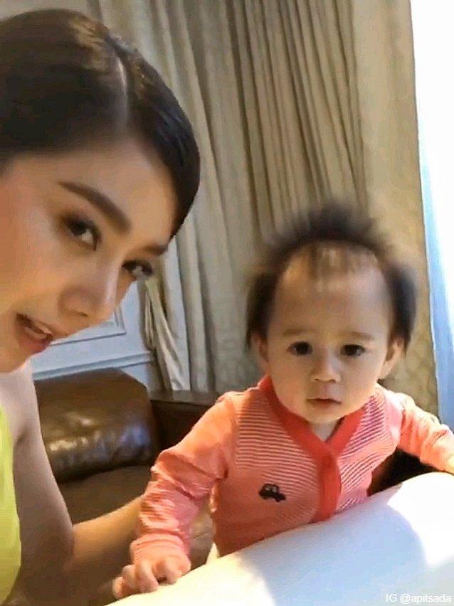 น้องสายฟ้า ซุกซนใช่ย่อย ตามประสาเด็กในวัย 10 เดือน
