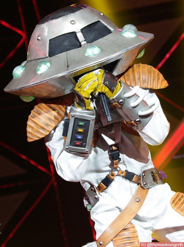 ภายใต้ หน้ากากจานบิน เขาคือ เก้า จิรายุ อดีตหน้ากากหมาป่า ในรายการ The Mask Singer ซีซั่น 3