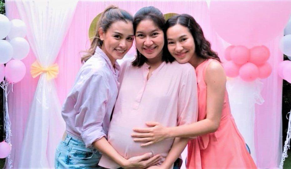 เบนซ์ พรชิตา จัดงาน baby shower พร้อมเผยชื่อลูกสาวที่กำลังจะลืมตาดูโลก