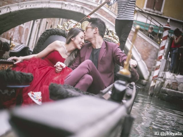 Venice with love : ว่าที่เจ้าบ่าวบรรจงจุมพิตที่หน้าผากว่าที่เจ้าสาว โมเมนต์ในฝันของสาว ๆ