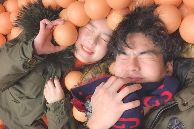 รูปคู่ของ จียอน-ฮั่น ในทริปเกาหลีใต้