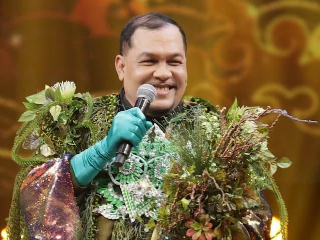 มิคกี้ ปิยะวัฒน์ ผู้อยู่ภายใต้ หน้ากากเกาะแก้วพิสดาร ในรายการ The Mask วรรณคดีไทย