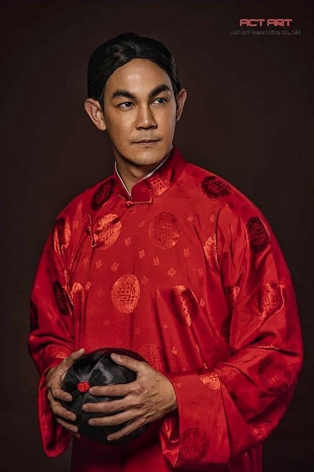 กิก ดนัย แสดงเป็น หมอจีน