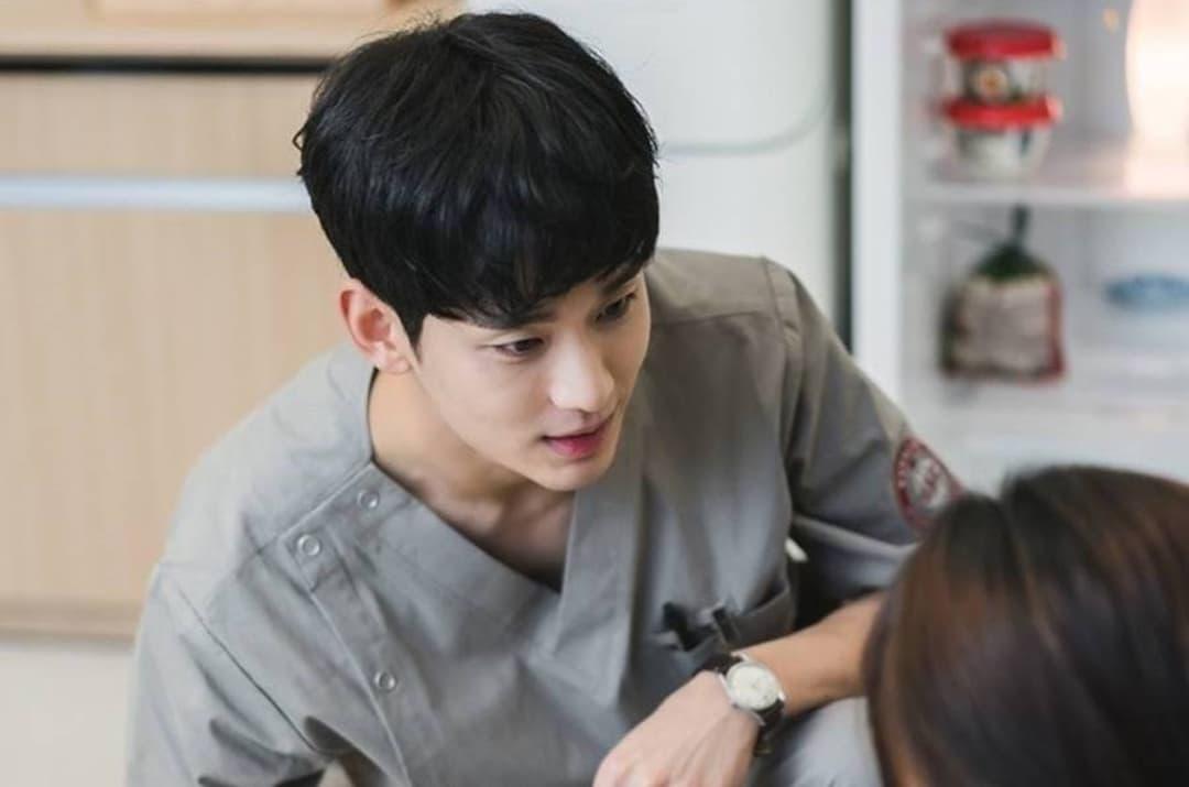 คิมซูฮยอน แสดงเป็น มุนคังแท