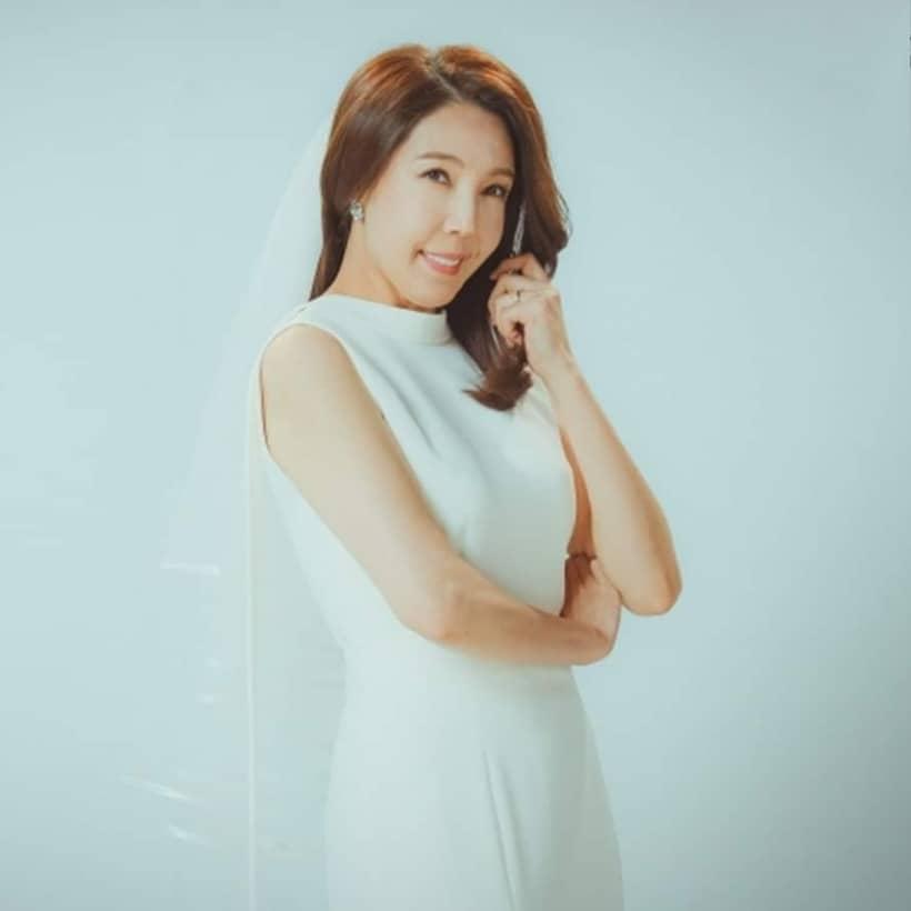 จอนซูคยอง รับบท อีชีอึน