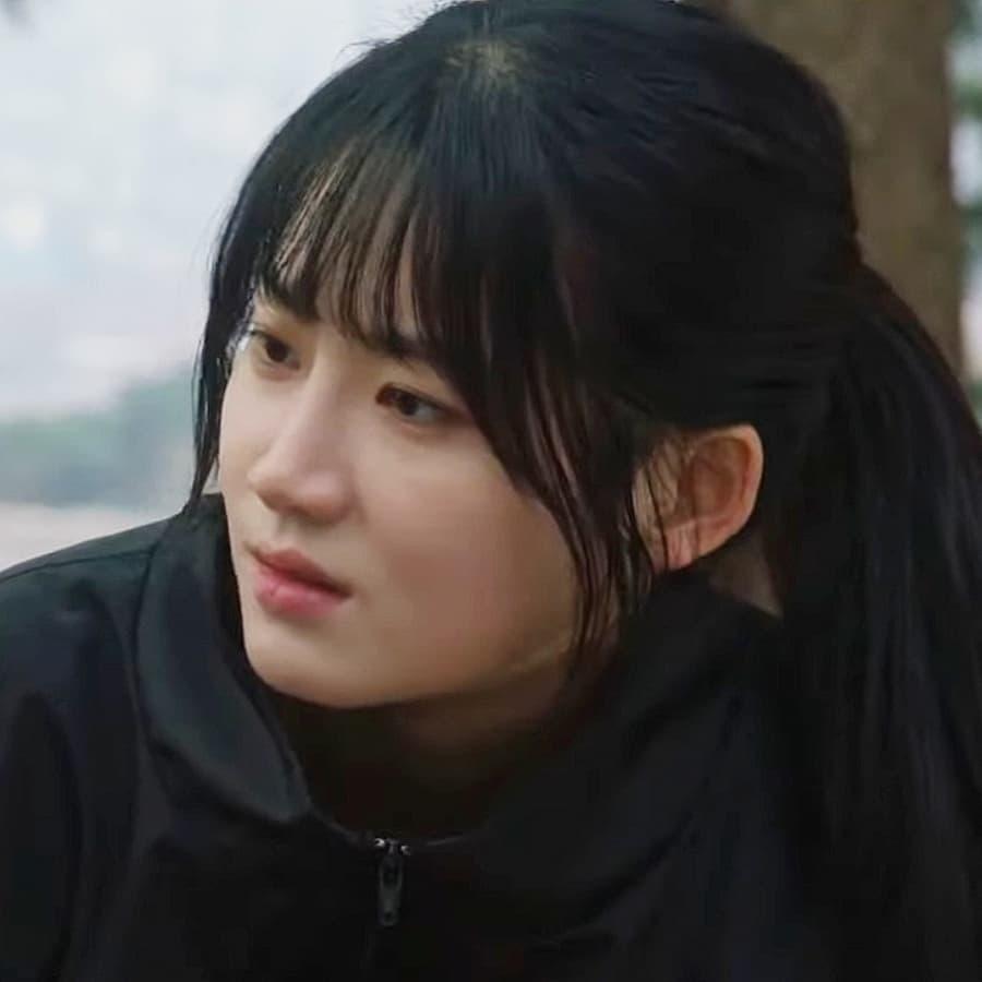 โอบงอี (รับบทโดย พัคจูฮยอน)