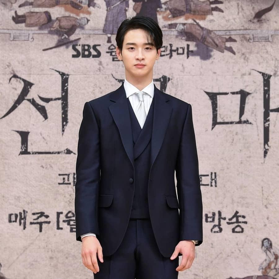 จางดงยุน รับบท องค์ชายชุงนยอง - Joseon Exorcist