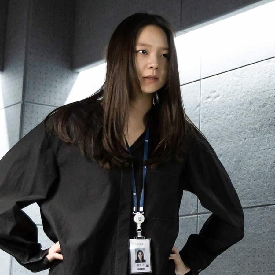 คังฮานา (รับบทโดย อีซม) Taxi Driver EP.12
