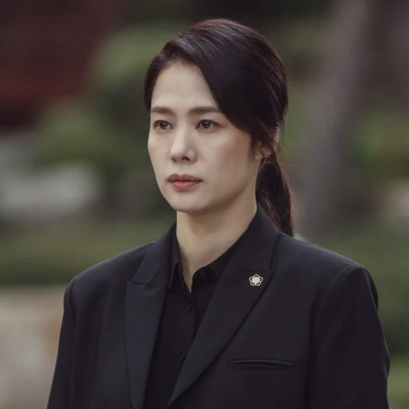 ชเวยอนซู รับบทโดย คิมฮยอนจู