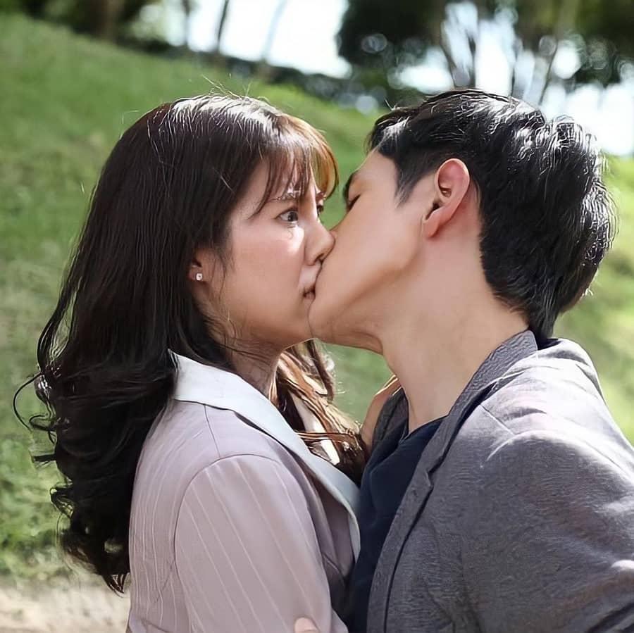 ละครพายุทราย จูบ