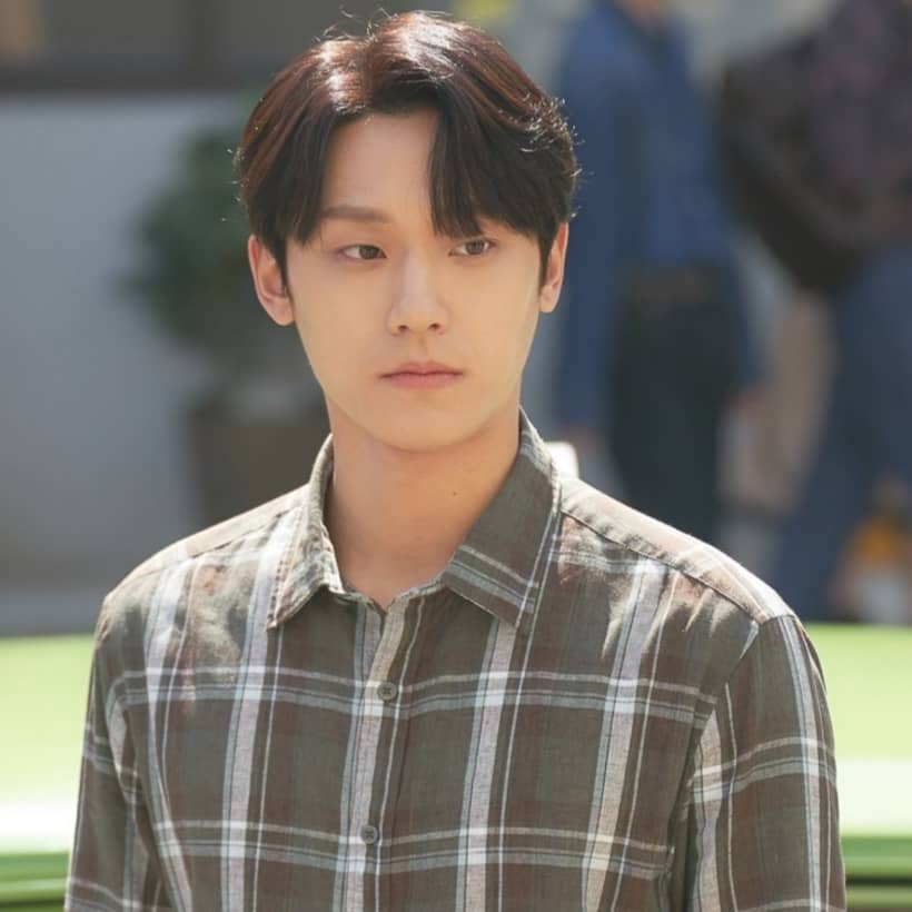 ฮวังฮีแท รับบทโดย อีโดฮยอน