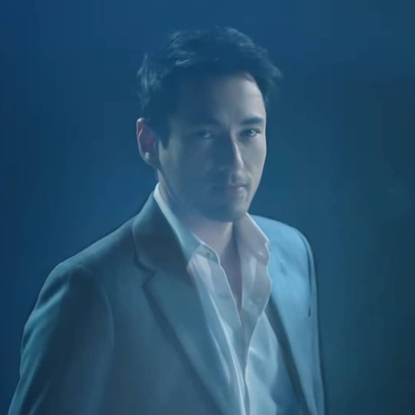 เจสัน ยัง รับบท กวิน