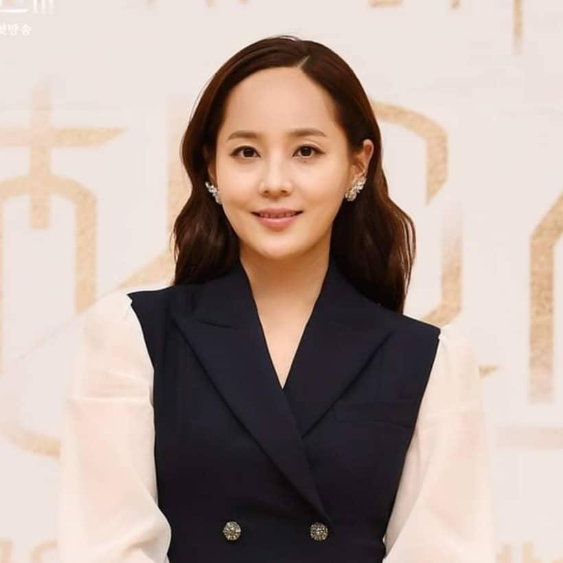 โอยุนฮี รับบทโดย ยูจีน